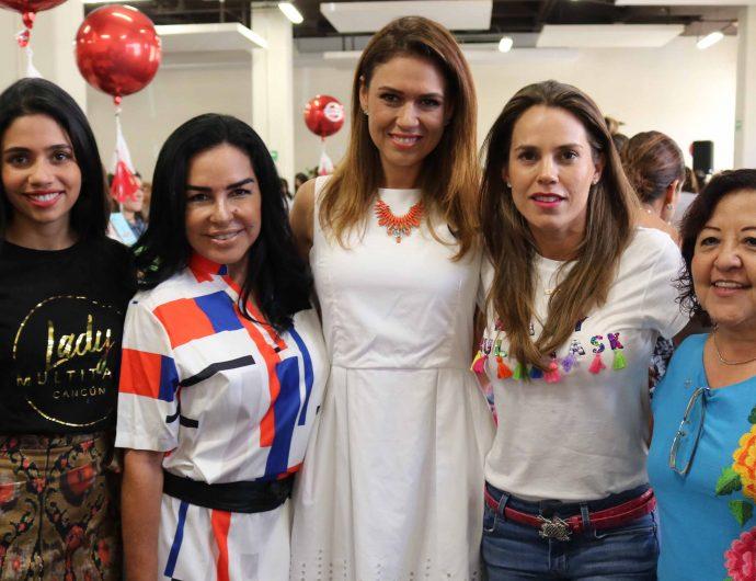 El corte del listón estuvo a cargo de Mariana González y Ana Pau del Rosal acompañadas de la presienta honoraria del DIF en Benito Juárez, Gloria Torruco.