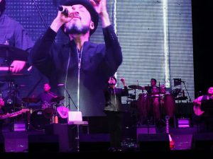El cantautor chiapaneco regreso a los escenarios en el coso del Cancún.