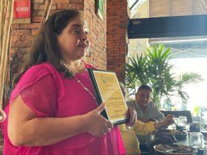 Entregan reconocimiento a Marisol Vanegas Pérez